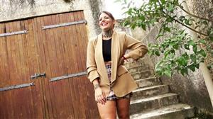 jacquieetmicheltv-21-10-14-lesia-reboots-with-two-guys.jpg