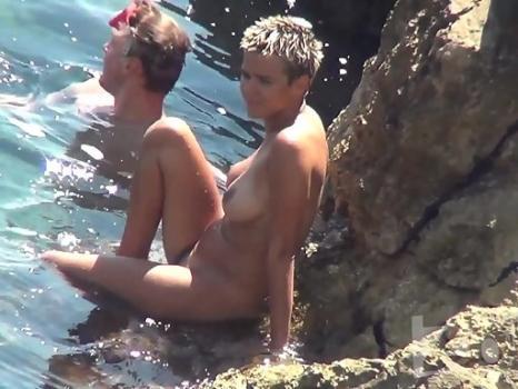 Hidden-Zone.com- Nu2412 Voyeur video from nude beach.