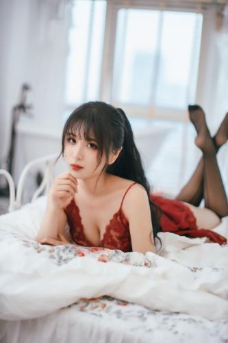 [Cosplay] Xansoon 轩萧学姐 – claret