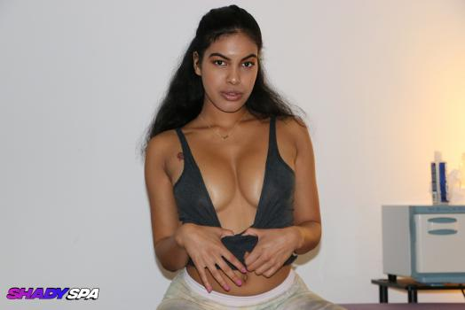 Maya Farrell - Pornstar Collection